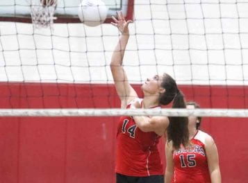 Pacers volleyball suffers first loss