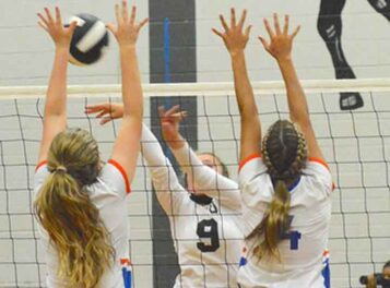 Trio of Columbus teams host volleyball playoffs
