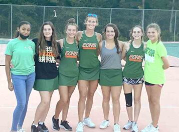 Women's Tennis playoffs, Gators advance, South ousted