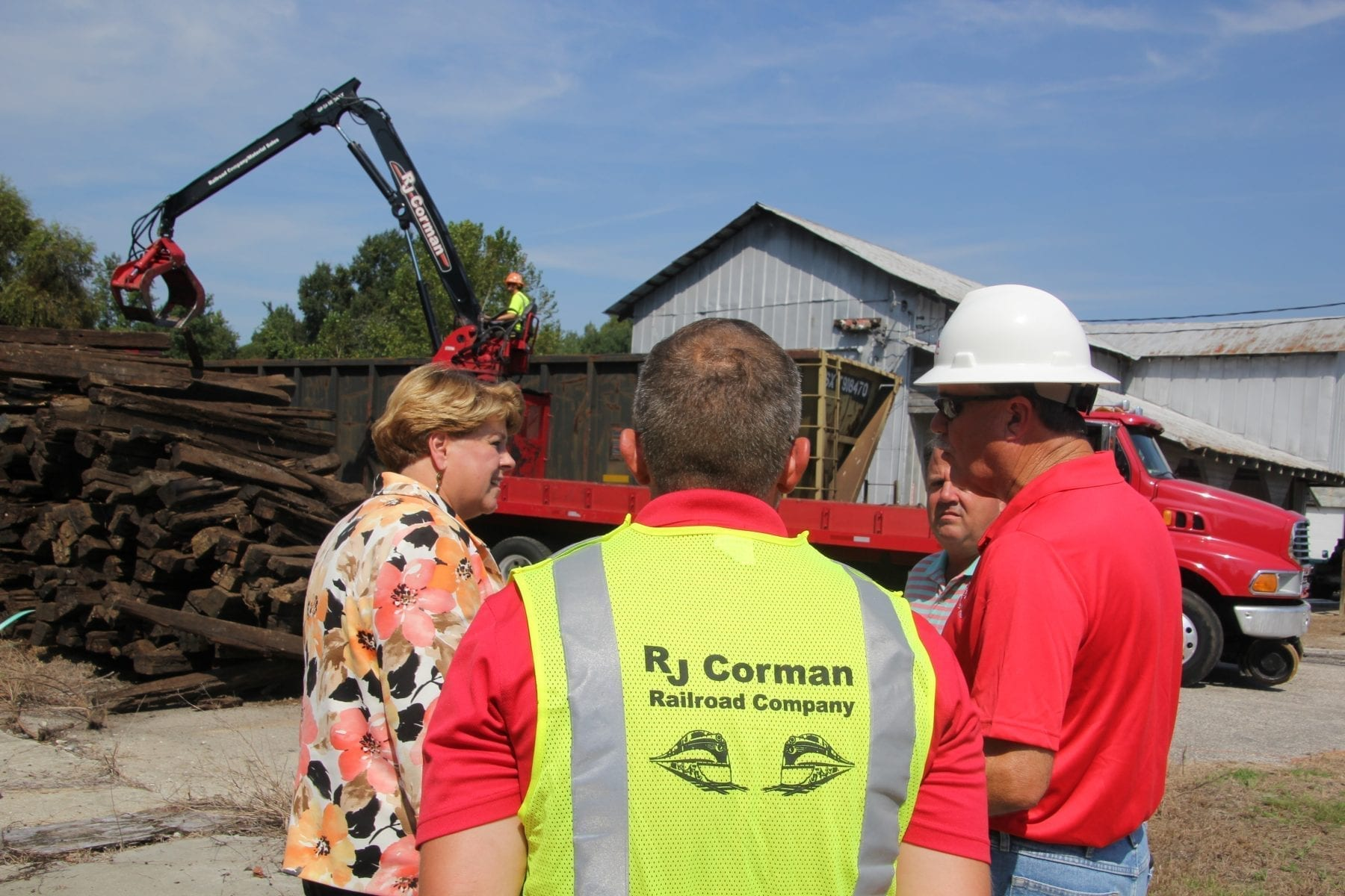 S&A gets first shipment of railroad ties – The News Reporter